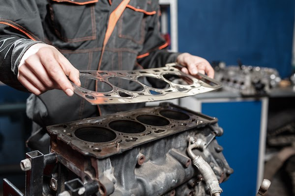 Engine Head Gasket - What is it and what is its purpose in vehicle
